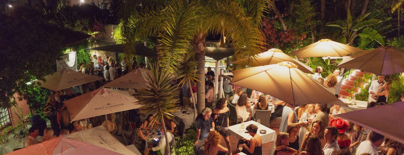 Le restaurant Güey fête son ouverture avec des amis