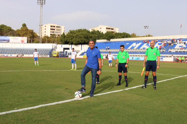 The Marbella Football Club pays homage to Sergio Scariolo as he gives the kick-off of honor