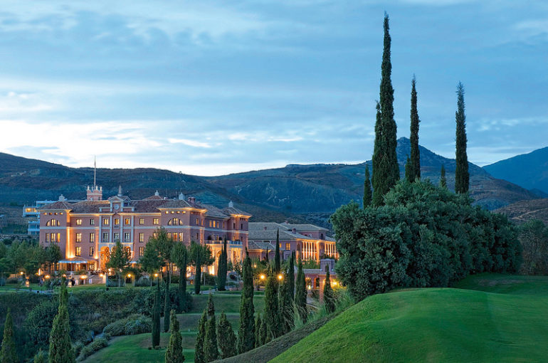 Villa Padierna, Mejor Hotel de España en 2013 por The International Hotel Awards
