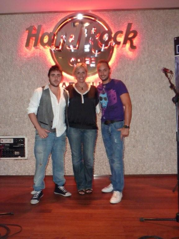 Le groupe de pop rock DEMENTES à HARD ROCK CAFÉ MARBELLA