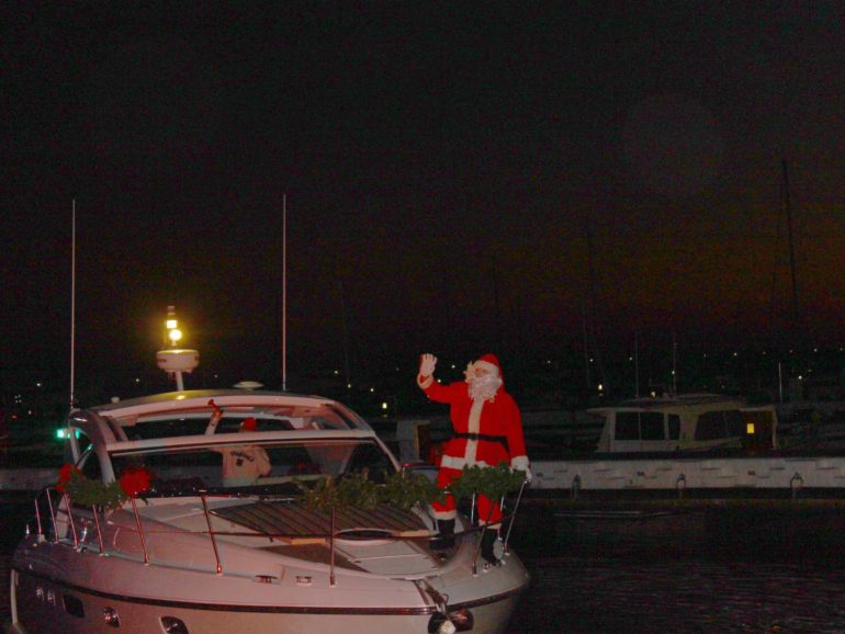 Santa Claus and Christmas visit Puerto Banús