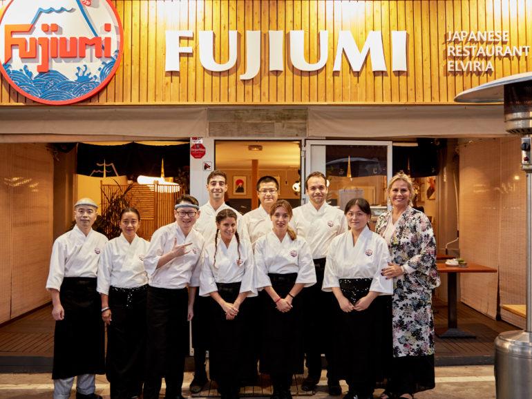 FUJIUMI restaurante noche de lanzamiento